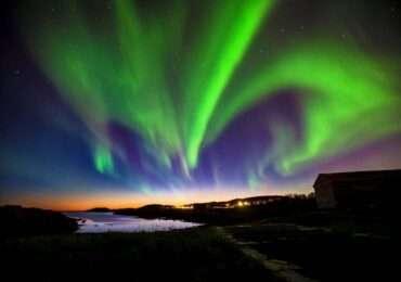 Aurore boreali islanda spettacolare naturaviaggi 370x260 Viaggio in Islanda tra ghiaccio e fuoco aurore boreali e leggende