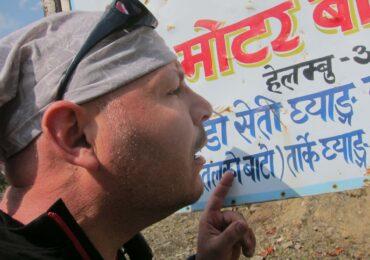 Nepal sono poco chiari i cartelli naturaviaggi 370x260 Nepal